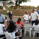 En minutos, @gersonmop y Alcalde Hirezi entregan obra vial a habitantes de Res. El Recreo, Zacatecoluca. @FOVIALITO http://t.co/vQCa1vRaXI