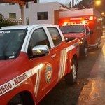 @Bomberos_Cuenca evacua a familias en San Antonio de Chiquintad. http://t.co/8BV1u0ldsJ