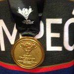 Esta es la medalla que lucen los integrantes de #EmelecBicampeon http://t.co/Gh5wA7qjeP vía @aafierro