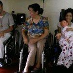 Necesitamos alimentos para esta famila. Omaira vive en El Hatillo, tiene 2 hijos con paralisis cerebral y le dio ACV http://t.co/RRQE6dUEGt