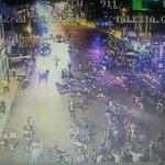 En #Milagro, calles Juan Montalvo y 9 de octubre festejos y caravana de hinchas del equipo de #Emelec http://t.co/mwzdZ0LKhA