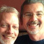 """[Lo + Leído] Pastor estadounidense que """"sanaba homosexuales"""" se casó con un hombre http://t.co/tbrQ3DhwMv http://t.co/zvRbRKGuh1"""