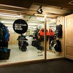 ゴールドウインが北海道に4店を連続出店 http://t.co/qfVEWM8X8s ゲレンデキオスク型「マウンテン ギア スタンド トマム」の店内写真を追加 http://t.co/U4zbPpQ0hv