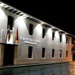 #LaCasadelaProvincia engalana la noche de Cuenca. http://t.co/9Io8w4e3ao