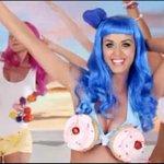 Aaaahh, ahora entiendo lo de los Cupcakes eroticos. #MasterChefEnLlamas http://t.co/Hpa3xD6V7D