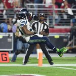 Seahawks RUN OVER Cardinals 35-6 to gain control of the NFC West. Lynch: 113 yds, 2 TD Wilson: 427 total yds, 3 TD http://t.co/ZDzfMr6un1