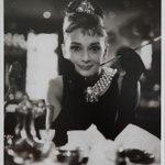 オードリー・ヘプバーンの写真展開催 キャリア初期の写真を展示 http://t.co/5xIwIny7tR http://t.co/SLxur5IPtx
