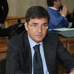 """""""@la_stampa: Sequestrato il tesoretto di Cosentino: 120 milioni di euro http://t.co/PFMPqveGYd http://t.co/pUThEzo4S2"""""""