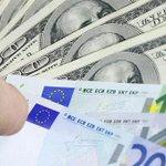 Официальный курс евро упал до 69,25 рубля, доллара – до 56,49 рубля http://t.co/UqdAscQILR http://t.co/YuHf0GkzmQ