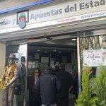 Nuestros vecinos de la administración del sembrador han vendido el 4°Premio. ¡Enhorabuena! #loteria #Albacete http://t.co/gajUKls15k