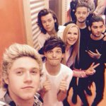 YOU GUYS SHOULD BE THANKFUL FOR ME BC OF THESE 5/5 SELFIES IM THE KING #WeAreAllNiall #WeAreAllNiallFollowParty http://t.co/Z9qBgrqC0C