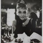 無料とな!これは行きたい!写真の勉強にもなりそうRT @fashionpressnet: オードリー・ヘップバーンの写真展が銀座&京橋で開催 - キャリア初期のポートレートなど - http://t.co/R5VpRUMnTX http://t.co/SZLNdBpG0J