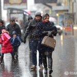 Зимняя погода установится в Москве к концу недели http://t.co/hbABA1llyO http://t.co/QEws1vi89P