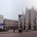 Protagonista di questi giorni al Nord è sicuramente lei: la #nebbia Buongiorno #Milano nebbiosa via @popoloni http://t.co/wfnnAQRX4g