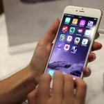 ОНИ СДЕЛАЛИ ЭТО СНОВА http://t.co/uYhIQ4P3KO Apple опять повысила цены на айфоны, рубль подрос немного, а они опять http://t.co/bnHT5KNvJb