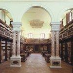 #Buongiorno dalla biblioteca Statale di Lucca. #Goodmorning from the National Library of Lucca http://t.co/ZASkiLZqNf http://t.co/shE1ZqH7AV