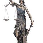 """""""Tarazoo or Khanjer"""" Your Choice Judiciary #QatilAdlia http://t.co/oLNG9bUfYt"""