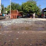 Miles de botellas de cervezas cayeron en la transv 23 con avenida La Popa en @Valledupar http://t.co/mYgGaqzu0t