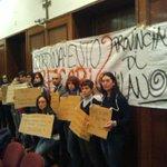 #Milano #SenzaProvince: i lavoratori occupano. Senza risposte la mobilitazione continua. #LeggeStabilita #Province http://t.co/haVyELdCBc