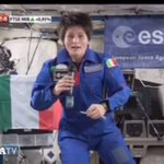 VIDEO: Auguri a @AstroSamantha, #Napolitano si commuove http://t.co/opt3XhwvfT http://t.co/eO3WoA65UP