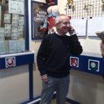 Carlos ha vendido en Boñar el número premiado con el Gordo de Navidad: el 13.437 http://t.co/MGIso8d0l4