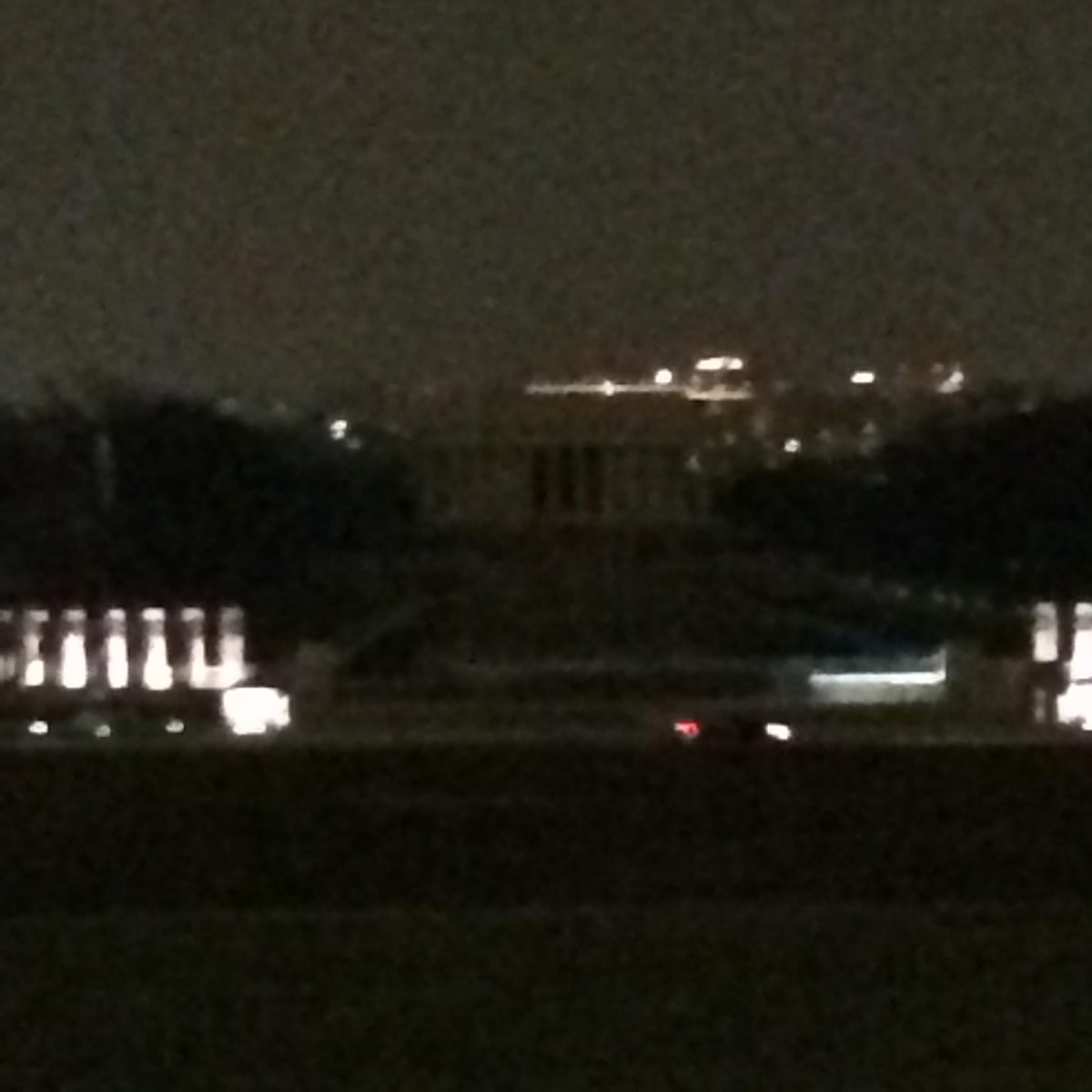 Thanks, @nbcwashington, for explanation of why Lincoln Memorial was dark this morning. http://t.co/GtehsYKWX6