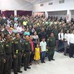 @PoliciaColombia Cesar, reciben reconocimiento por su labor que a permitido la captura de delincuentes en Valledupar. http://t.co/JuVJpzCvnY