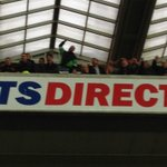 Big shout out to the away fan in the green sleeves who spent 90 minutes doing aeroplane actions. Classy. #nufc #safc http://t.co/PkRbgIpnG5