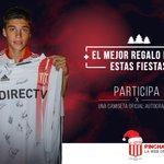 #EDLP Una de las últimas camisetas firmadas por el Tucu Correa puede ser tuya. Ingresá acá: https://t.co/xnetM8kkRs http://t.co/jtwegCVoAQ