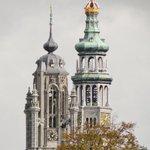 Het wordt kouder. Betje en Jan kruipen tegen elkaar aan. #Middelburg  (via https://t.co/whDRzLa2fN) http://t.co/h6pvLKbYXW