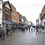 A survey suggests that #Guildford has the best economic prospects outside #London. http://t.co/ft85dXGD6m http://t.co/lL6hKb5xN9