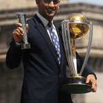 OMG! Just now realised that 10 years had passed since i saw my demi god @msdhoni Luv u always! #10YearsofDHONIsm http://t.co/5LQ2cspUqJ