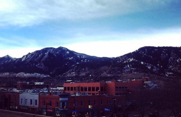 It's a beautiful day in the neighborhood today in #Boulder, CO! http://t.co/Dg1zBA4Kvt