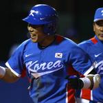 The Pirates reportedly won the bidding for Jung-Ho Kang: http://t.co/TjbempxhGx http://t.co/QhuwbV9Yln