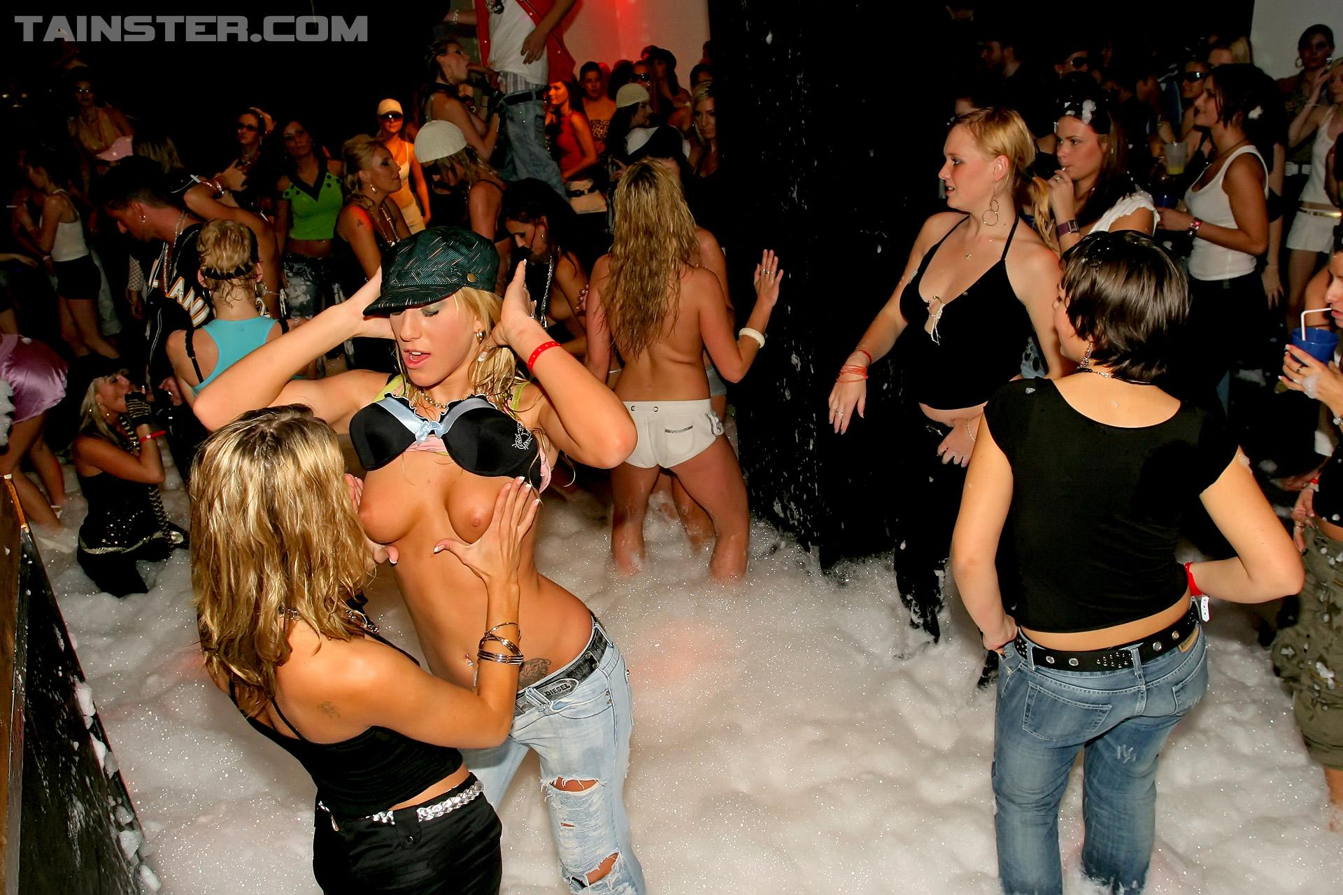 вечеринка в свинг клубе фото