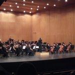 Comienza el Concierto de Navidad de @DiarioSUR con la Orquesta Escuela de la JOPMA http://t.co/AUkZkMq5qU