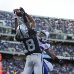 #Raiders WR @dreholmes18 leaps and makes a fantastic catch #OAKvsBUF #RaiderNation http://t.co/Vn0ObP0HSn