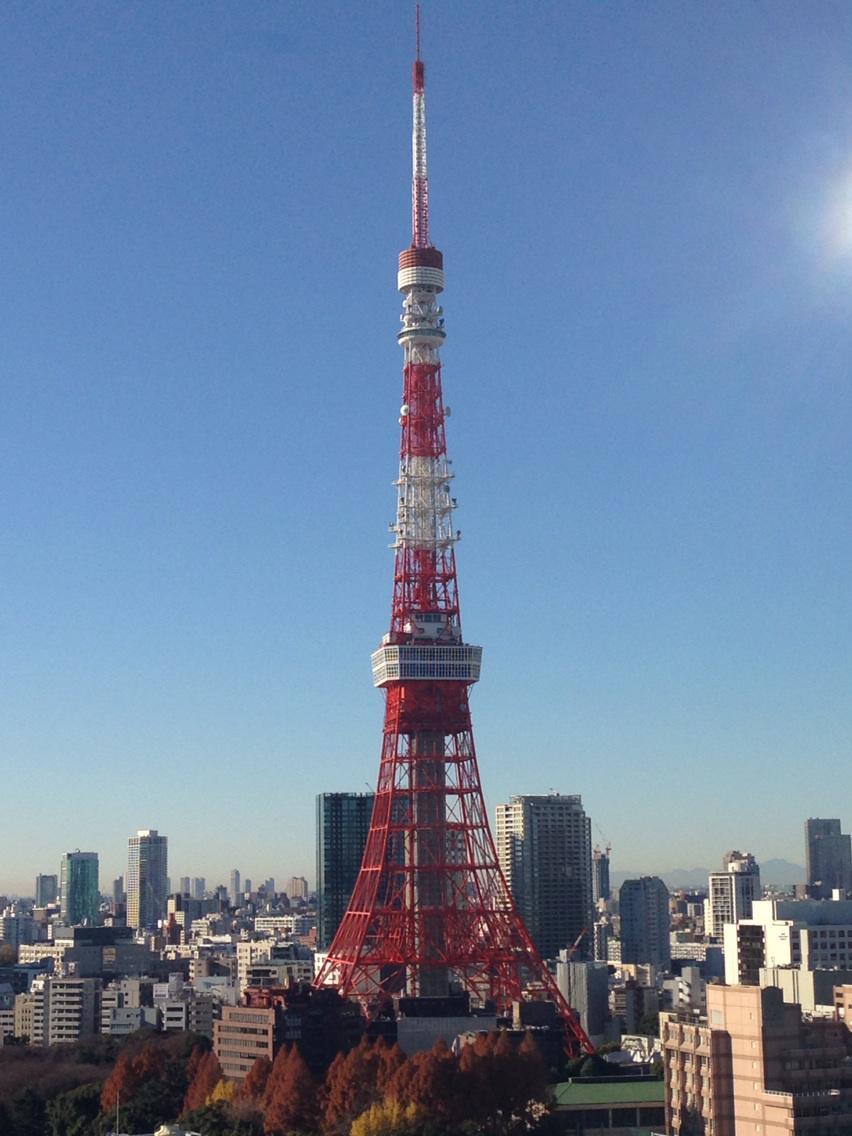 56年前に完成か。 こちら本日の東京タワー。 http://t.co/eoNbgZz9Ns