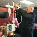 @MarkPKXLY helps decorate IV poles today at #Spokanes Childrens Hospital. Watch @kxly4news tonight at 5 for more! http://t.co/PpPaILunZy