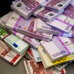 Pink Floyd - Money http://t.co/pnJ35wCcIP #Corruption #Greece #PtD http://t.co/wdrZCp2Rzz