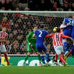 Half-time: Stoke City 0-1 Chelsea. #CFCLive http://t.co/Nft8Wgs2GE
