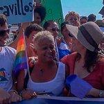 Editorial de #NYT sobre la comunidad #LGBT de #Cuba http://t.co/CKM3YEArvY #cartasdesdecuba #social #marielacastro http://t.co/y7bDO4NclT