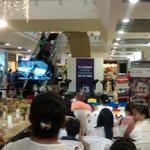 Visitantes a @GUATAPURIPLAZA atentos a video El silencio del Coloso d @luiscompetitivo #SeparataEspecial @El_Pilon http://t.co/o9FEWdTutR