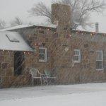 Pete Callahan showing us the snow coming down in Mosquero. #nmwx http://t.co/Zp9kUmdGMK