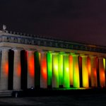 #Nashville Parthenon glowing in holiday colors http://t.co/mcRYxpDlyx