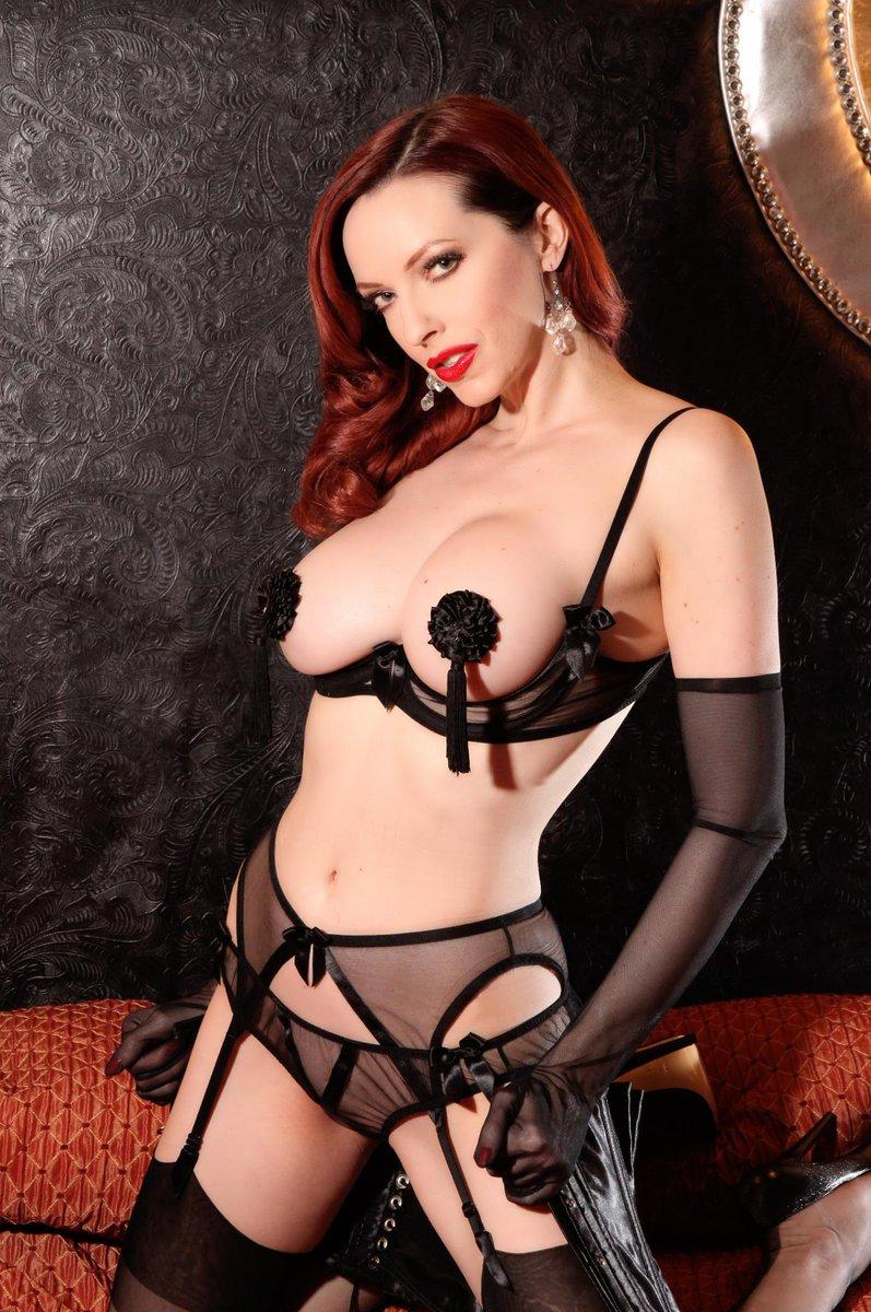 Don't miss International Fetish model/performer @emilymarilyn  at #AVN Party Fri Jan 23 http://t.co/2MvNbiZ60c http://t.co/C7UFnpxWV8