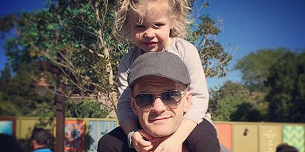 These fun photos will make you want to be part of Neil Patrick Harris's family @ActuallyNPH