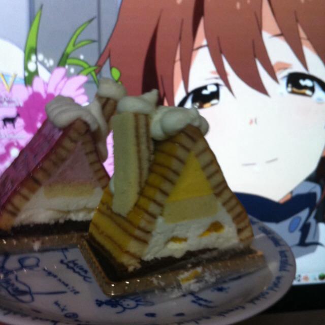 雪歩と私のお家をケーキに♪ #雪歩生誕祭 [http://t.co/97fkZcaeLe] http://t.co/LBZJrZoajL