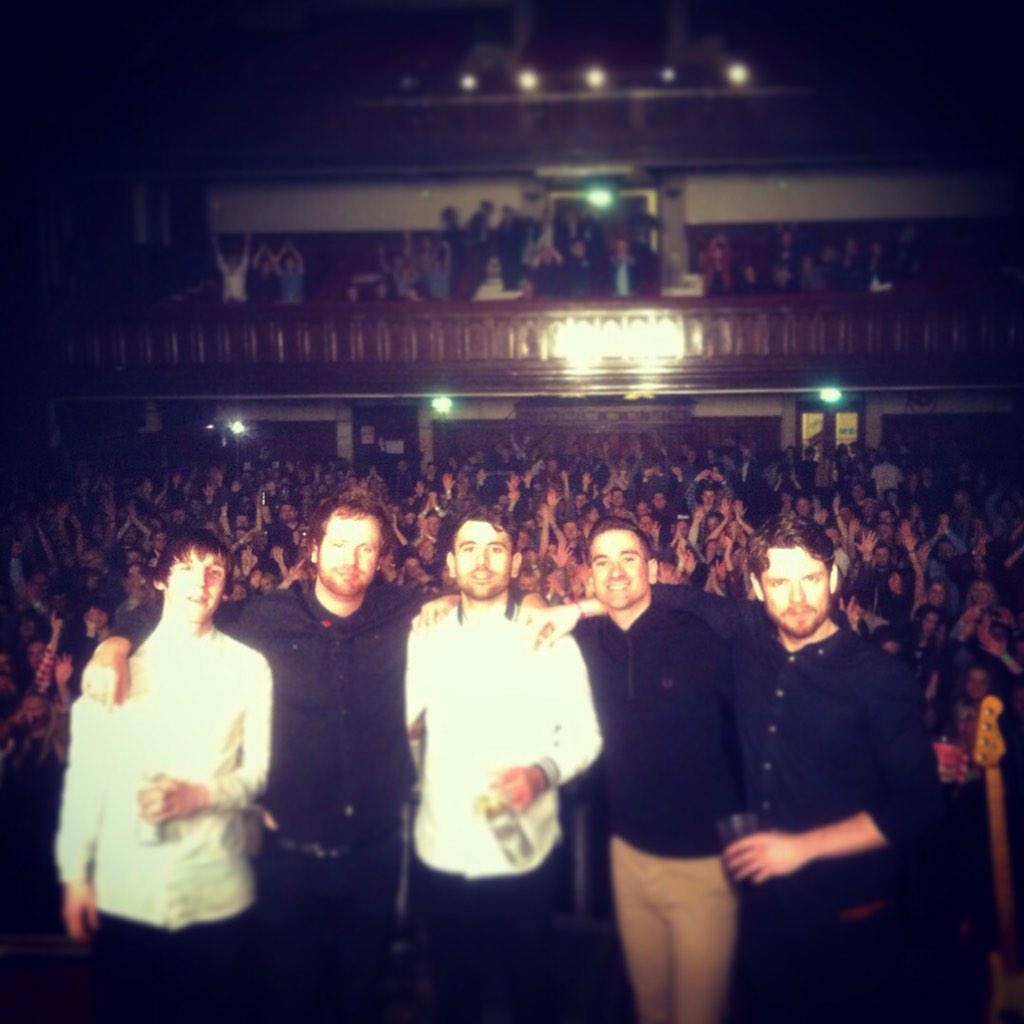 MIDDLESBROUGH!! Thank you so much for last nite @mbro_townhall - what a way to end 2014! Merry Christmas one & all x http://t.co/zbMOBn2d54