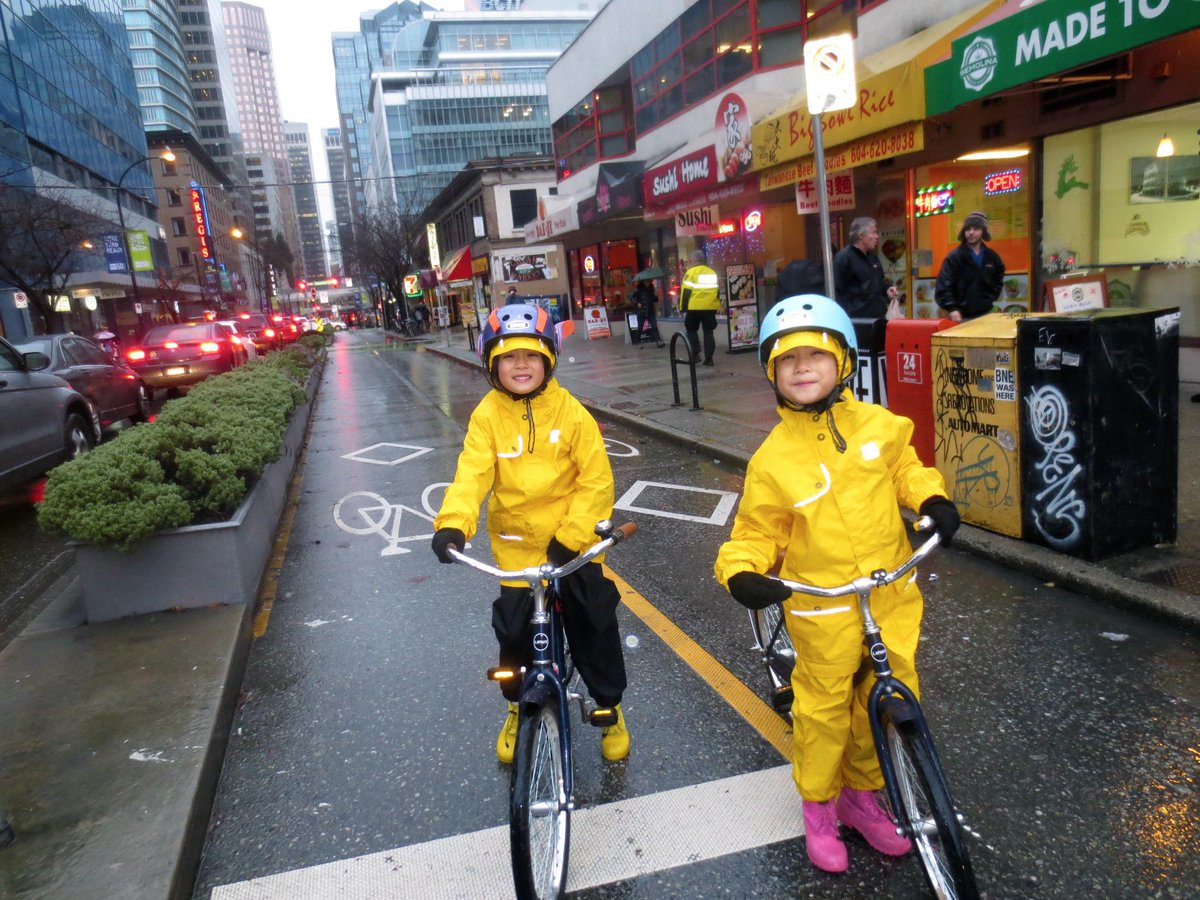 When cycling is safe, it's fun year-round! RT @BLAH_CITY: With separated bikelanes even riding in rain is fun + safe! http://t.co/3JQj7IdmaD